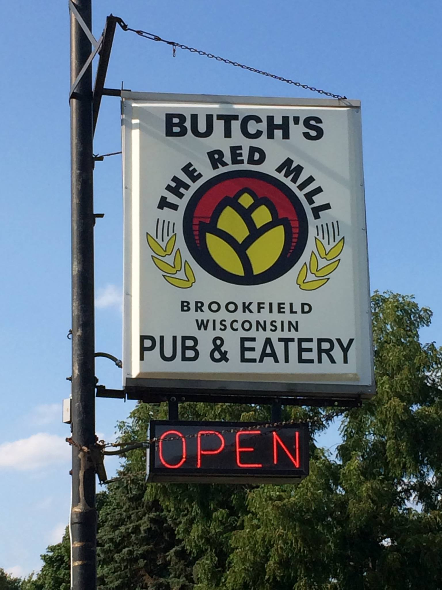 Butch 39 s red mill for Fish fry brookfield wi